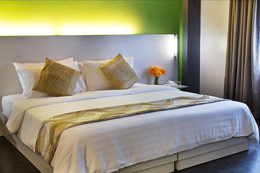 Book here at the pillows hotel cebu cebu city for Hotel pillows for sale philippines